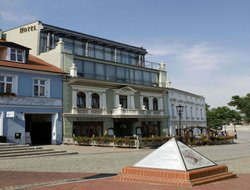 Gniezno hotels with restaurants
