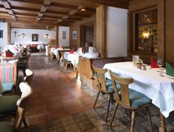Hippach hotels with restaurants