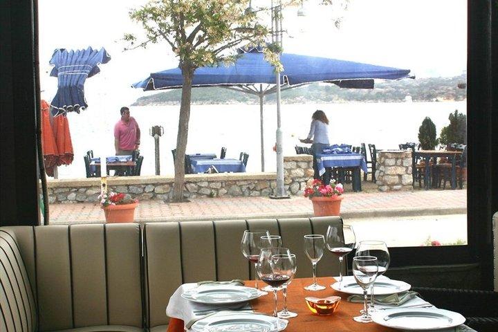 Ресторан остров Ормос Панагиас