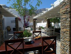 Pets-friendly hotels in Kamares