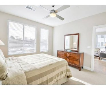 Luxury 2BR in Highlands Square Near Downtown- HS02