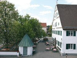 Krumbach hotels with restaurants