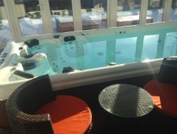 Cherepovets hotels with swimming pool