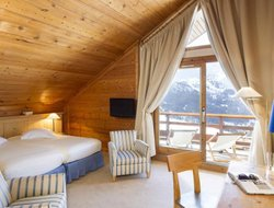 Meribel hotels with restaurants