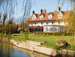 Sonning hotels with restaurants