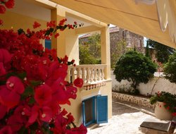 Top-8 hotels in the center of Spetses