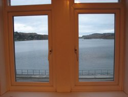 Top-10 hotels in the center of Oban