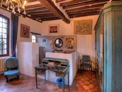 Top-5 hotels in the center of Biot