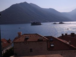 Perast hotels with Russian personnel