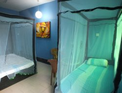 Trincomalee hotels with swimming pool