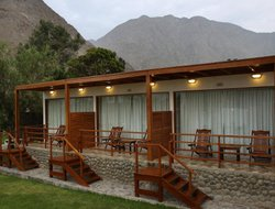 Lunahuana hotels with river view