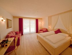 Uttenheim - Villa Ottone hotels with restaurants
