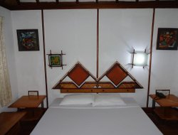 Kumaragam hotels for families with children