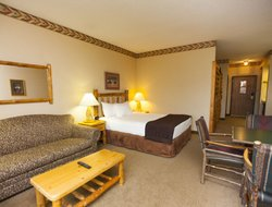 Bonner Springs hotels with restaurants