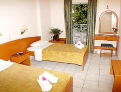 Top-4 romantic Kalamakion hotels