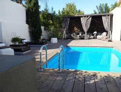 Narbonne hotels with swimming pool