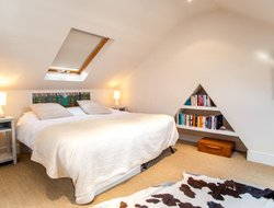 Pets-friendly hotels in Ealing