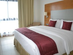 Douala hotels with restaurants