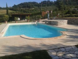 Orvieto hotels with swimming pool
