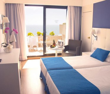 Grand Teguise Playa (ех. Be Live Experience Grand Teguise Playa; Occidental Grand Teguise Playa)