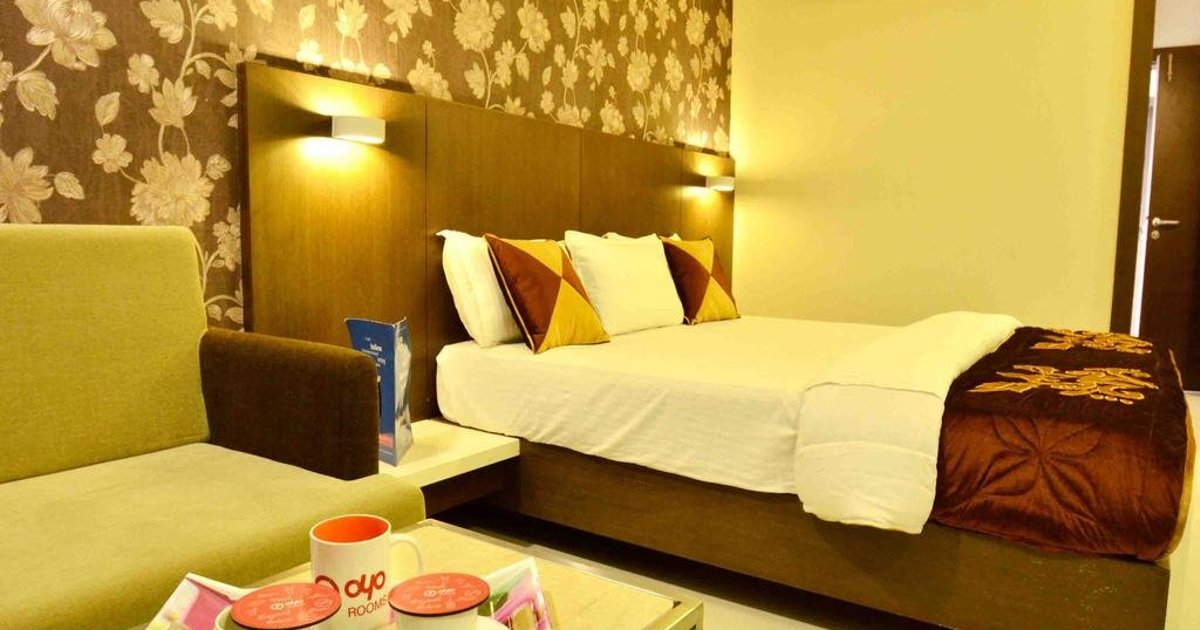 OYO Rooms Near CHL Hospital