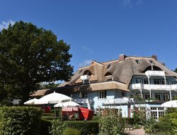 Ostseebad Ahrenshoop hotels with restaurants
