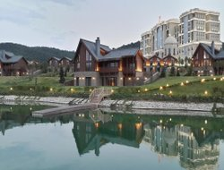 Azerbaijan hotels with lake view