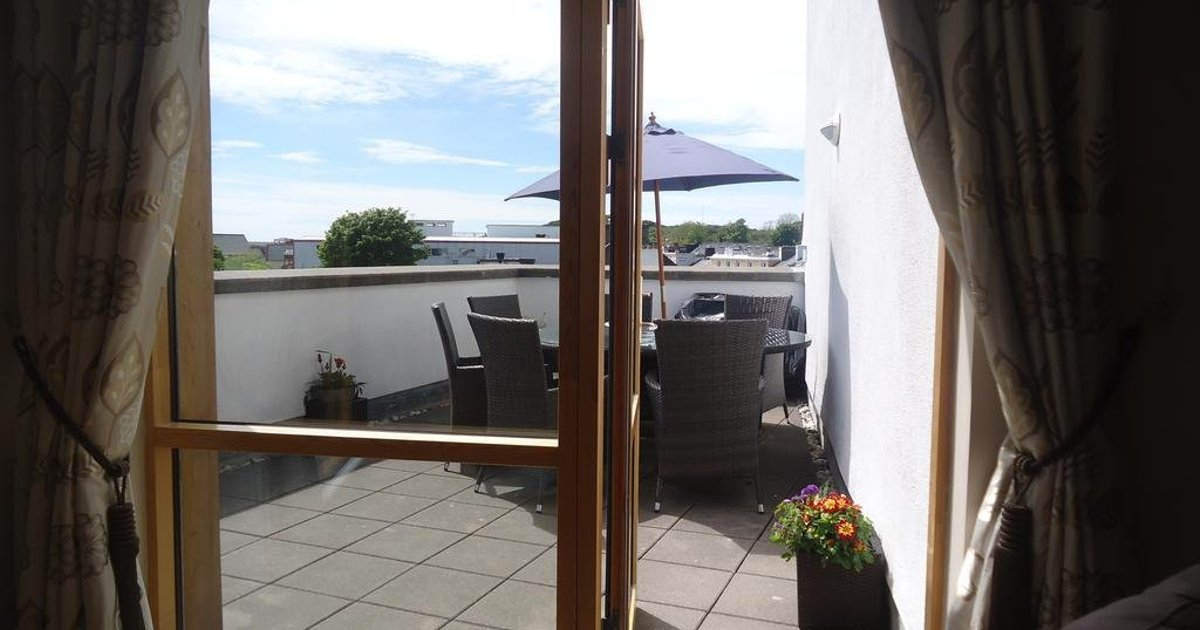 18 Courthouse Square Self Catering