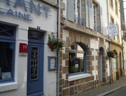 Morlaix hotels with restaurants