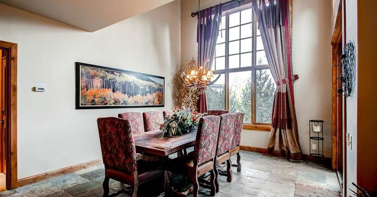 Trot Ski-House Main Street Private Home by Pinnacle Lodging