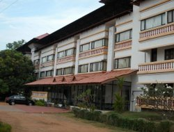Kollam hotels with restaurants