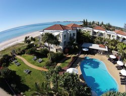 Tugun hotels with swimming pool