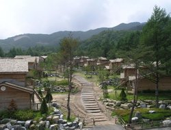 Bongpyeong-myeon hotels with restaurants