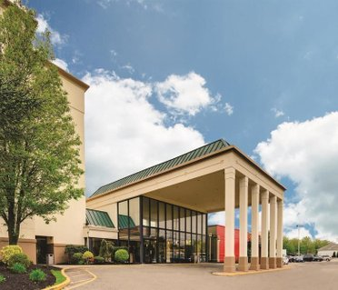 La Quinta Inn & Suites Clifton/Rutherford