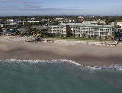 Vero Beach hotels with restaurants