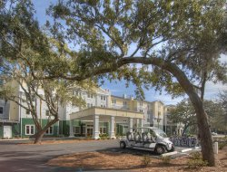 Top-5 hotels in the center of Jekyll Island