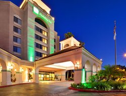 Mira Mesa hotels with swimming pool