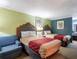 Conroe hotels with restaurants