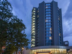 Offenbach hotels with restaurants
