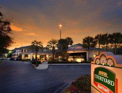 Ocala Ridge hotels with restaurants
