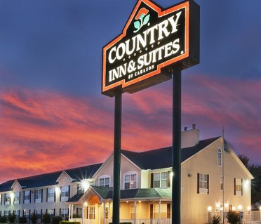 Country Inn and Suites Tulsa Airport