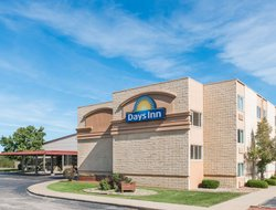 Kirksville hotels with restaurants