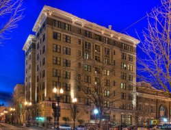 Portland hotels with restaurants