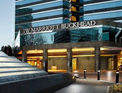 Buckhead hotels with restaurants