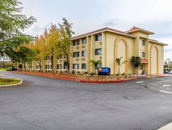 Rocklin hotels with swimming pool