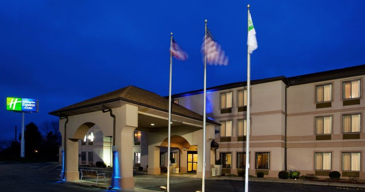 Holiday Inn Express & Suites St Clairsville
