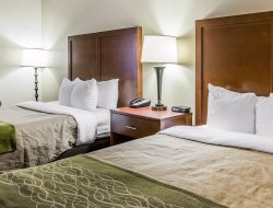 Douglasville hotels with restaurants