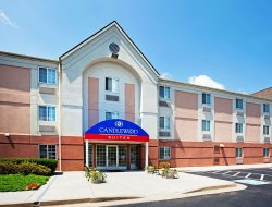 Farragut hotels for families with children