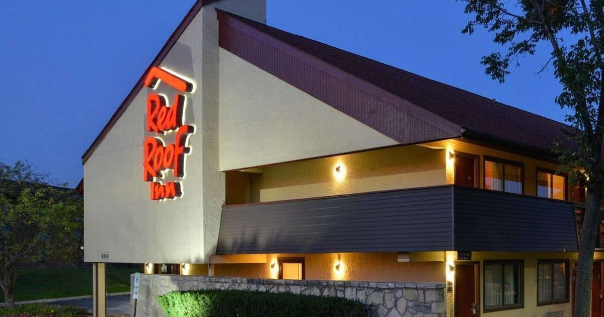 Red Roof Inn PLUS+ Chicago - Willowbrook