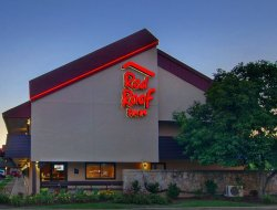 Pets-friendly hotels in North Canton
